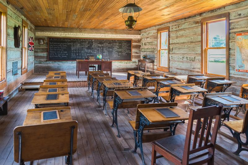 Σχολικό δωμάτιο μέσα στο ιστορικό σχολείο Balmoral στο αγρόκτημα Ο ` Keefe στοκ εικόνες