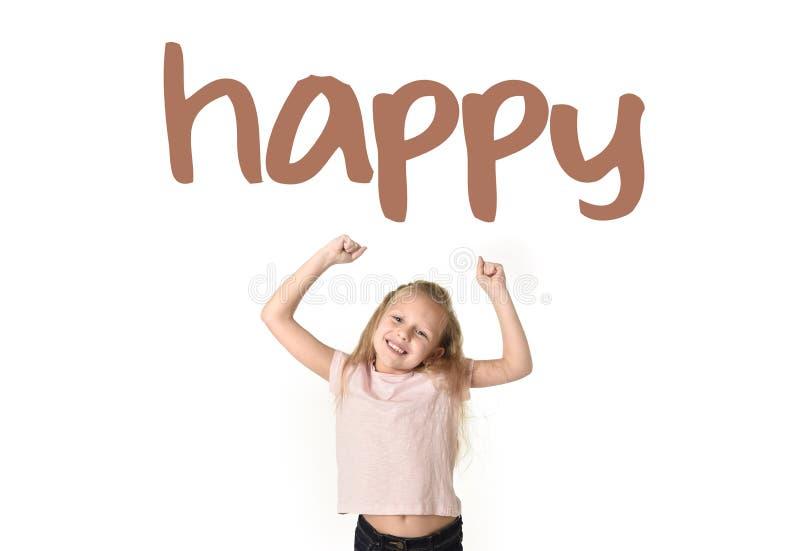 Σχολική κάρτα λεξιλογίου εκμάθησης αγγλικής γλώσσας του νέου όμορφου ευτυχούς κοριτσιού συγκινημένου στοκ φωτογραφίες