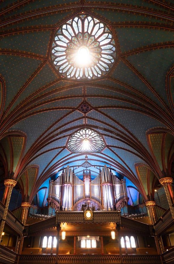 Σωλήνες οργάνων στον καθεδρικό ναό της Notre Dame στο Μόντρεαλ στοκ εικόνα