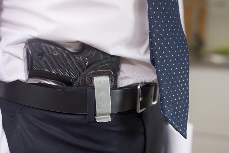 Σωματοφυλακή με το πυροβόλο όπλο στοκ εικόνα με δικαίωμα ελεύθερης χρήσης