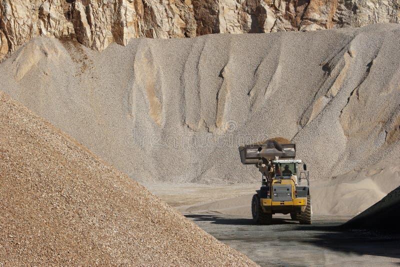 Σωροί του συνόλου πετρών για τη οδοποιία στοκ εικόνα