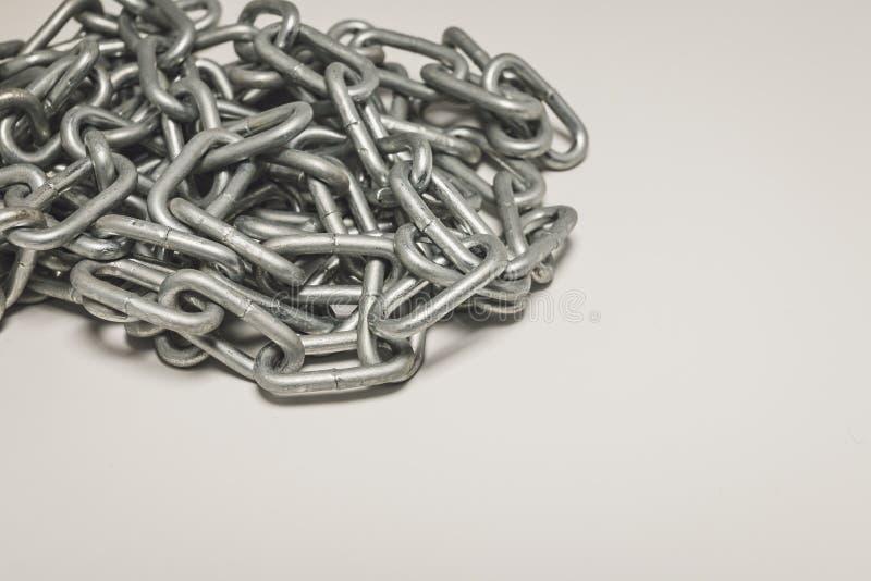 Σωρός αλυσίδων χάλυβα - αφηρημένο υπόβαθρο μετάλλων στοκ φωτογραφίες με δικαίωμα ελεύθερης χρήσης