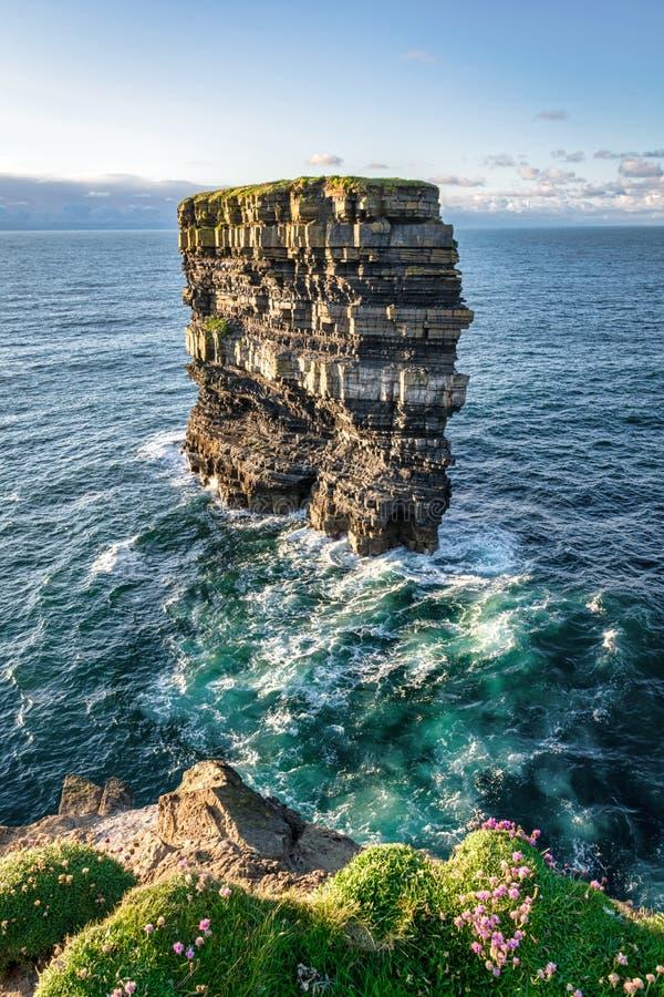 Σωρός Ιρλανδία θάλασσας Briste Dun στοκ φωτογραφίες