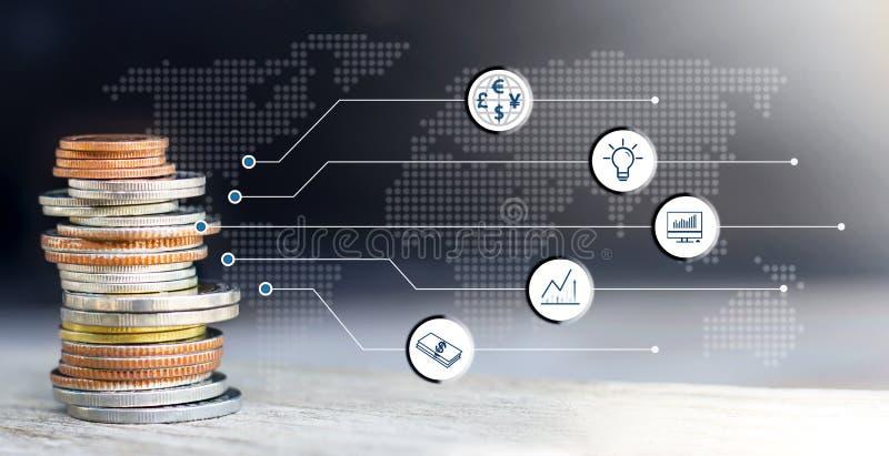 Σωρός νομισμάτων με το εικονίδιο εικονικό στον πίνακα Η έννοια επιχειρησιακής αύξησης, του οικονομικού ή παγκόσμιου εμπορίου στοκ εικόνα με δικαίωμα ελεύθερης χρήσης