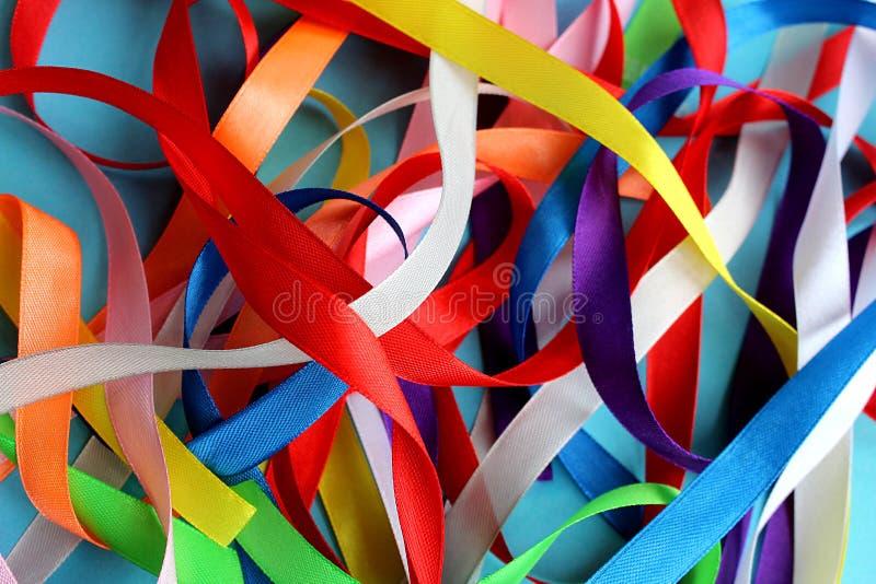 Σωρός σύστασης των κορδελλών των διαφορετικών χρωμάτων στοκ φωτογραφίες με δικαίωμα ελεύθερης χρήσης