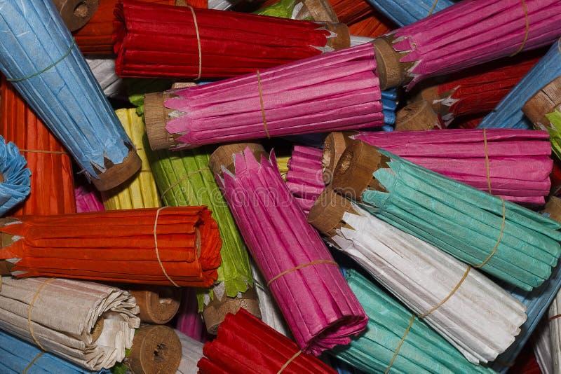 Σωρός της ομπρέλας εγγράφου μουριών για το σχέδιο στοκ εικόνες