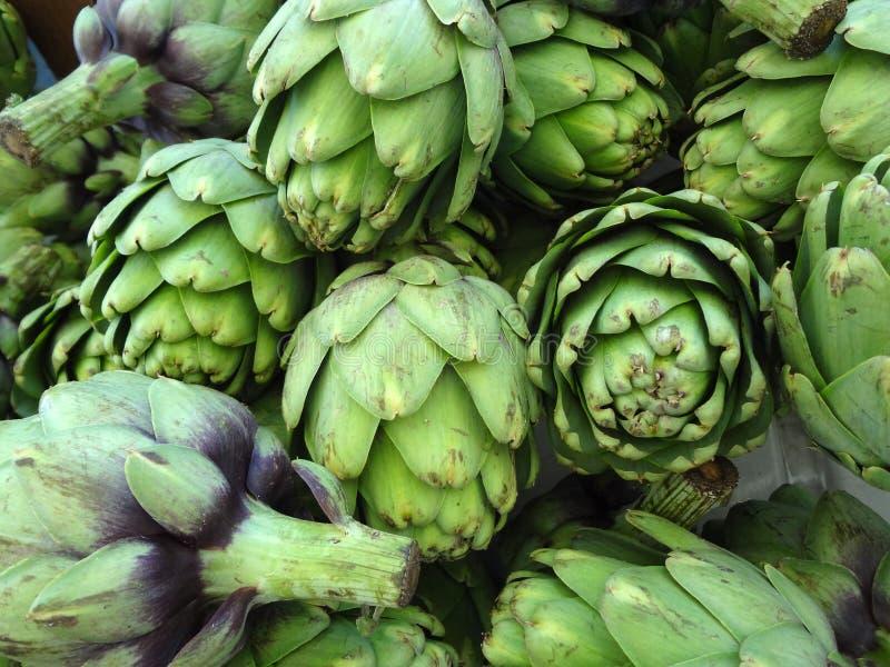 Σωρός της πράσινης αγκινάρας στοκ φωτογραφία με δικαίωμα ελεύθερης χρήσης