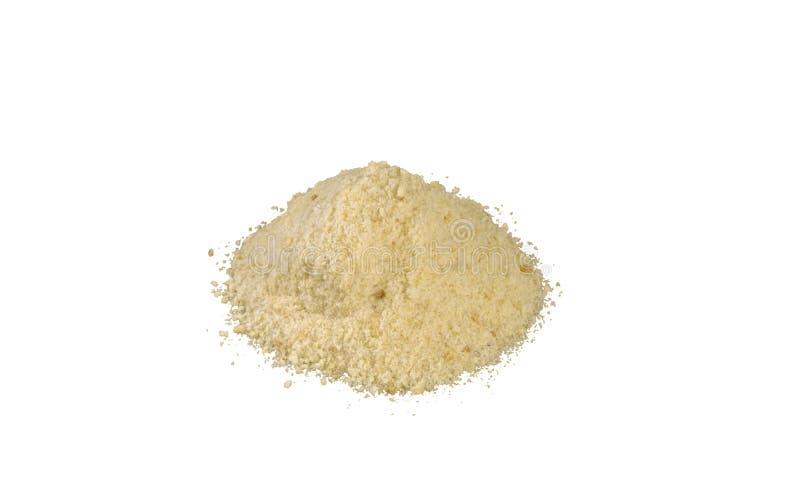 Σωρός τριμμένων φρυγανιών που απομονώνεται στο άσπρο υπόβαθρο διατροφή φυσικό συστατικό τροφίμων στοκ φωτογραφία