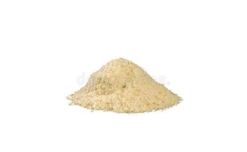 Σωρός τριμμένων φρυγανιών που απομονώνεται στο άσπρο υπόβαθρο διατροφή φυσικό συστατικό τροφίμων r στοκ φωτογραφία με δικαίωμα ελεύθερης χρήσης