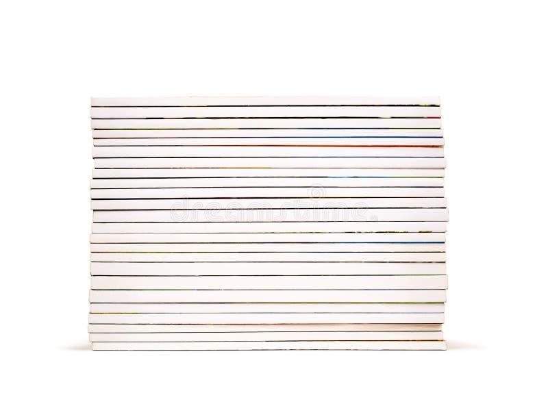 σωρός των ζωηρόχρωμων περιοδικών που απομονώνονται στο λευκό στοκ εικόνα με δικαίωμα ελεύθερης χρήσης