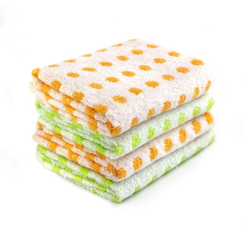 Σωρός των χρωματισμένων πετσετών στοκ εικόνες
