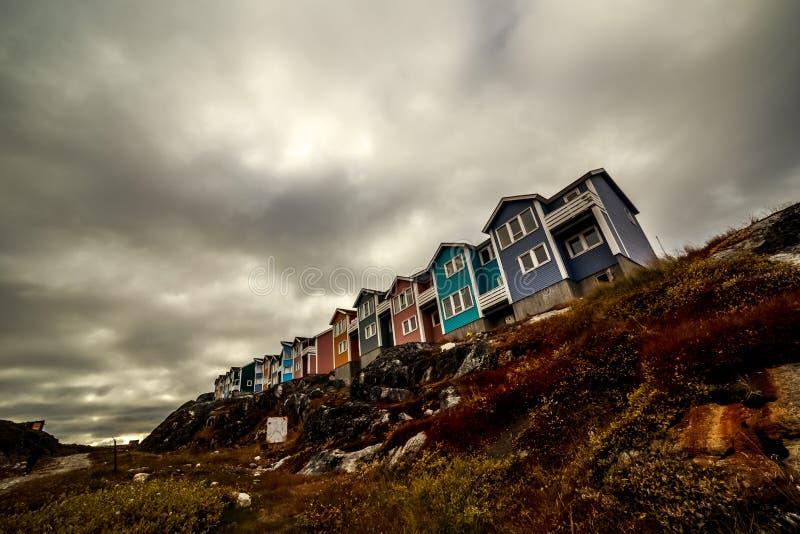 Σύγχρονα αρκτικά σπίτια Inuit στοκ εικόνες