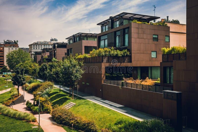 Σύγχρονα κτίρια κατοικιών στο Μιλάνο στοκ φωτογραφία με δικαίωμα ελεύθερης χρήσης