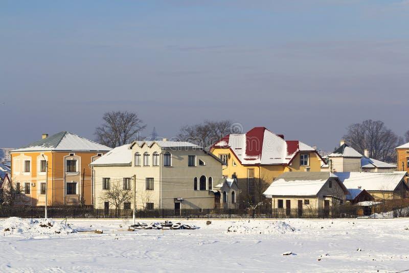 Σύγχρονα σπίτια σε μια περιοχή ανάπτυξης νέας οικοδόμησης στοκ φωτογραφίες με δικαίωμα ελεύθερης χρήσης
