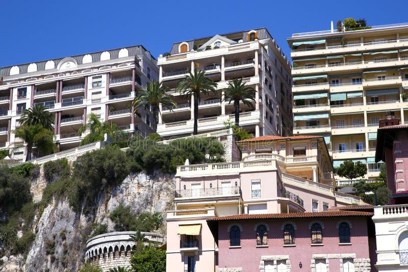 Σύγχρονη αρχιτεκτονική κτηρίων της κατηγορίας πολυτέλειας στοκ εικόνες