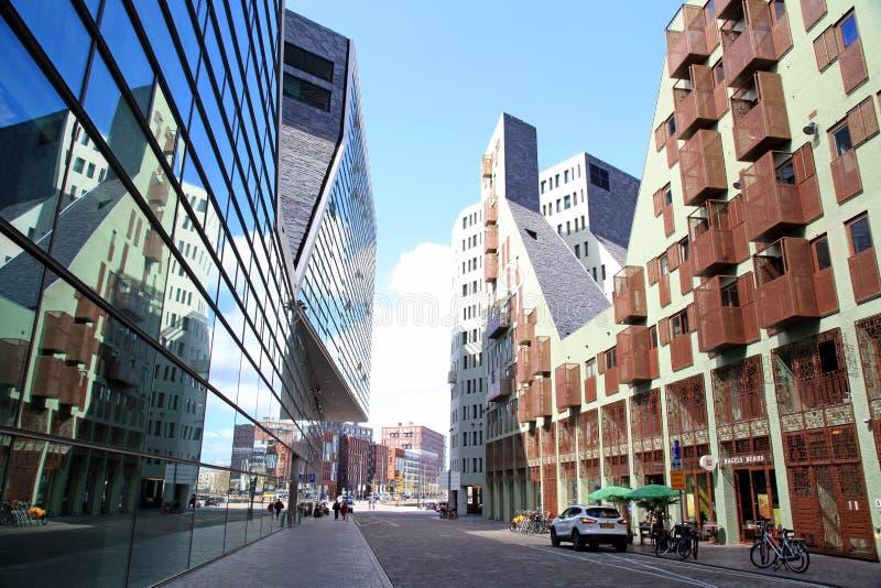 Σύγχρονη αρχιτεκτονική στην περιοχή IJdock στο Άμστερνταμ, Κάτω Χώρες στοκ φωτογραφία