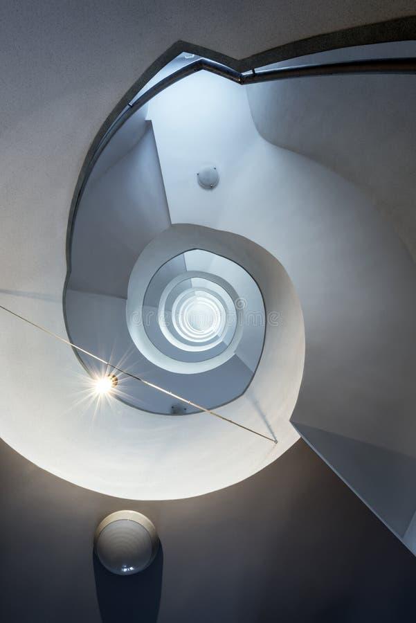 Σύγχρονη, αφηρημένη σκάλα στοκ εικόνες με δικαίωμα ελεύθερης χρήσης