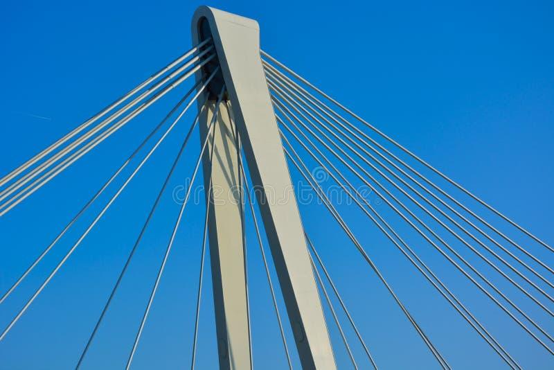 Σύγχρονη γέφυρα αναστολής στοκ εικόνες
