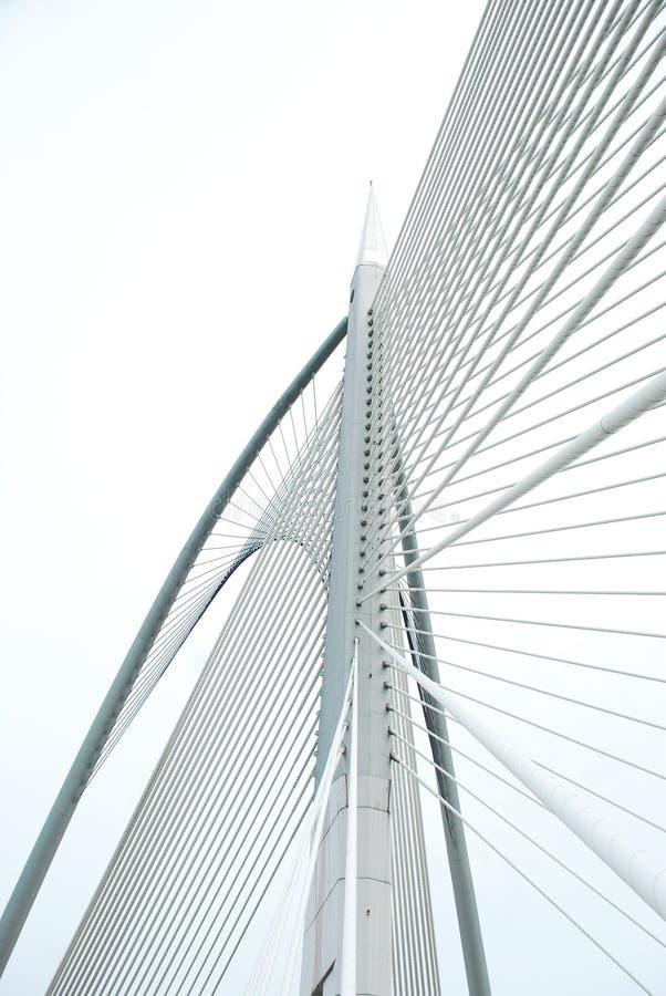 Σύγχρονη γέφυρα για να πάρει τη μορφή & τις γραμμές στοκ φωτογραφία με δικαίωμα ελεύθερης χρήσης