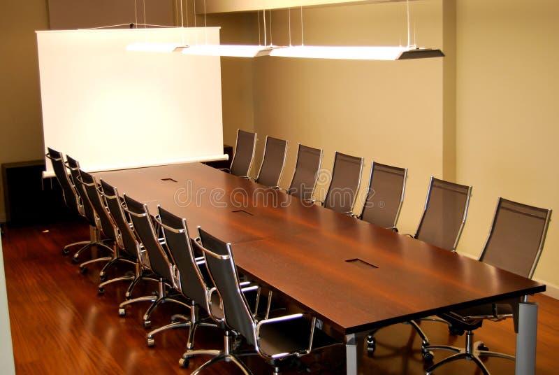 Σύγχρονη διάσκεψη στρογγυλής τραπέζης στοκ εικόνες