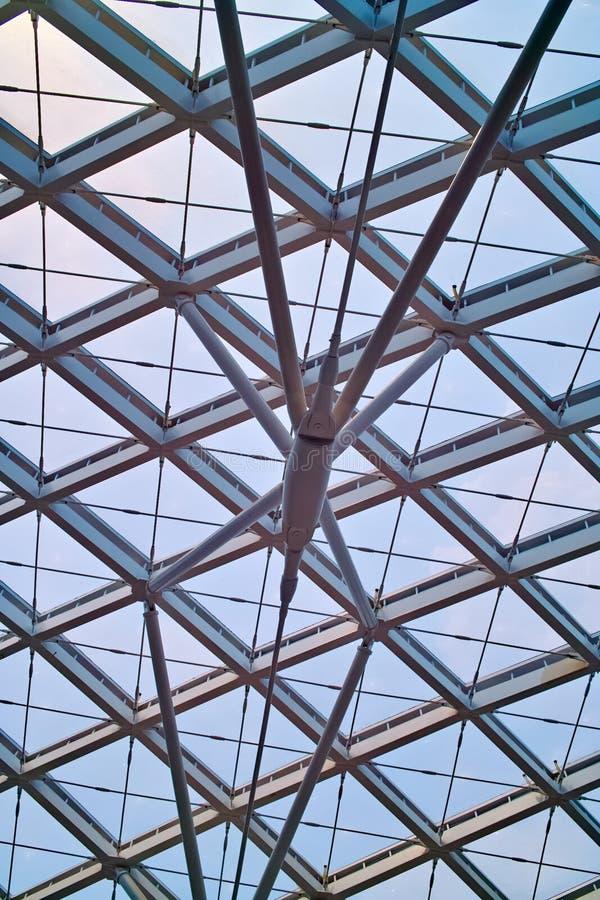 σύγχρονη στέγη αρχιτεκτο&n στοκ φωτογραφίες με δικαίωμα ελεύθερης χρήσης
