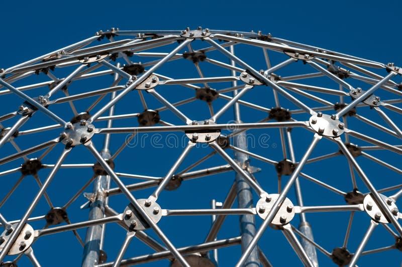 Σύγχρονη τέχνη, hexagon σφαίρα, κατασκευή χάλυβα στοκ εικόνα με δικαίωμα ελεύθερης χρήσης