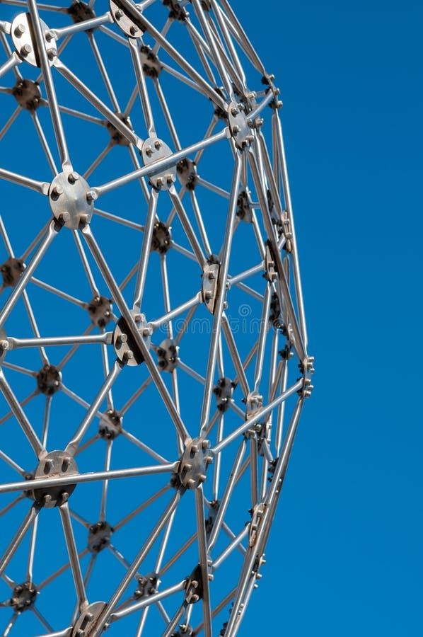Σύγχρονη τέχνη, hexagon σφαίρα, κατασκευή χάλυβα στοκ φωτογραφία με δικαίωμα ελεύθερης χρήσης