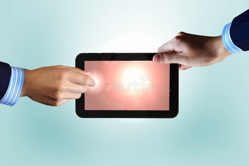 Σύγχρονη τεχνολογία υπολογιστών στην επιχείρηση στοκ εικόνα