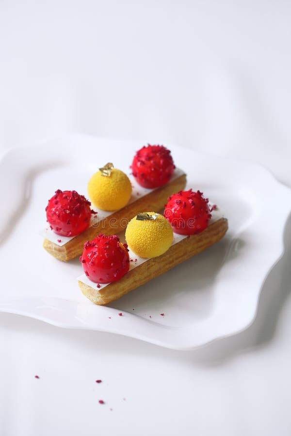 Σύγχρονη φράουλα ECLAIR μάγκο στοκ φωτογραφίες με δικαίωμα ελεύθερης χρήσης