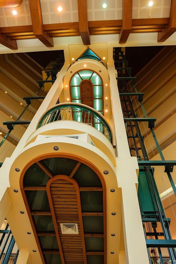 Σύγχρονος ανελκυστήρας στο ξενοδοχείο στοκ φωτογραφία με δικαίωμα ελεύθερης χρήσης