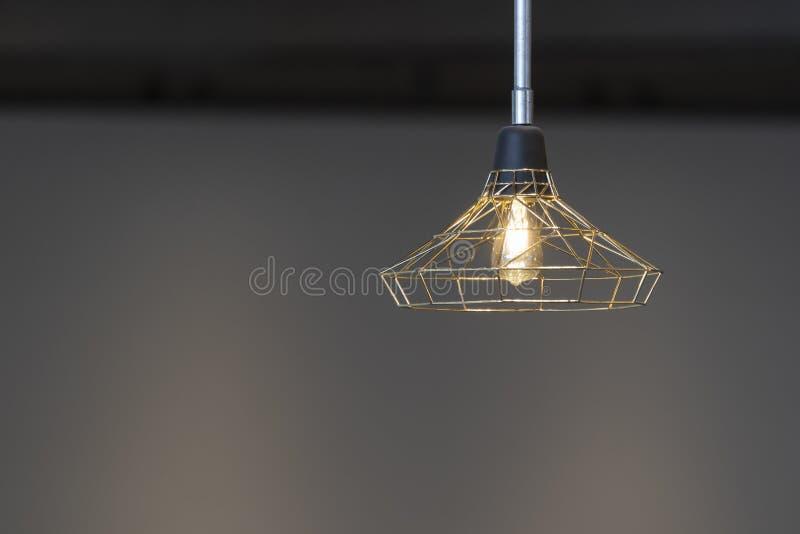 Σύγχρονος σύγχρονος διακοσμήσεων βολβών εσωτερικού φωτισμού ανώτατων λαμπτήρων στοκ φωτογραφίες