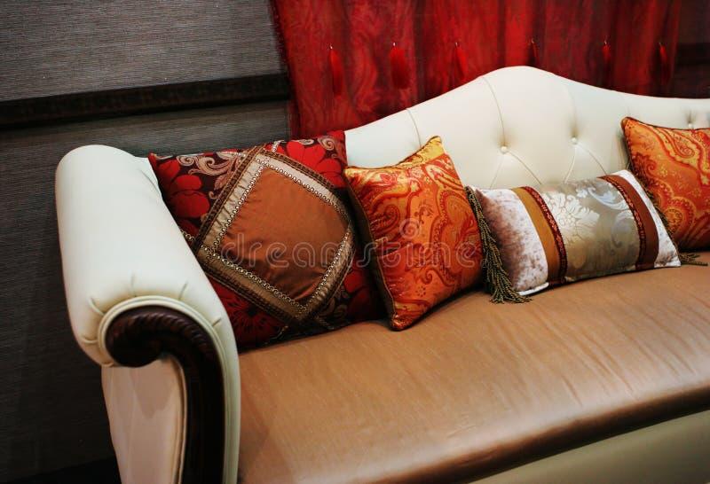 σύγχρονος καναπές στοκ εικόνες