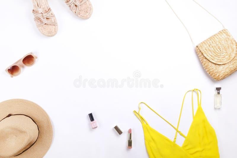 Σύγχρονος μοντέρνος ψάχνει τη μοντέρνη μόδα blog lookbook Επίπεδος βάλτε του μοντέρνου ιματισμού για το περιοδικό γυναικών Εποχια στοκ εικόνα
