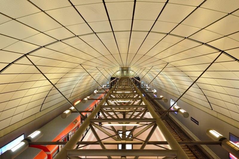 Σύγχρονος σταθμός τρένου στο Αμβούργο, Γερμανία στοκ εικόνες