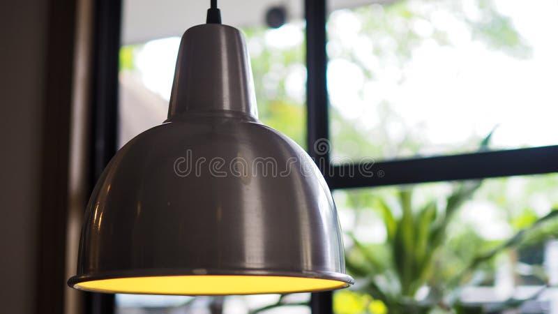 Σύγχρονο ανώτατο φως μέσα στη καφετερία στοκ φωτογραφίες με δικαίωμα ελεύθερης χρήσης