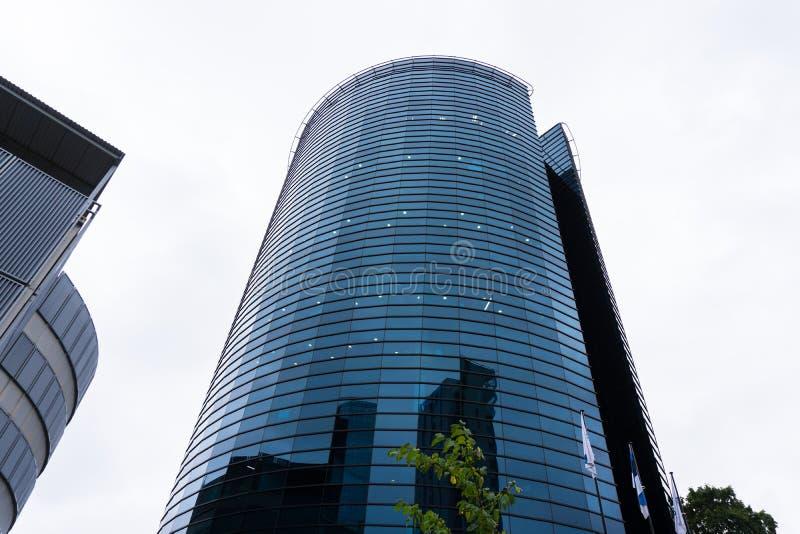 Σύγχρονο επιχειρησιακό κτήριο στο Ταλίν ουρανοξύστης στην πόλη στοκ φωτογραφία