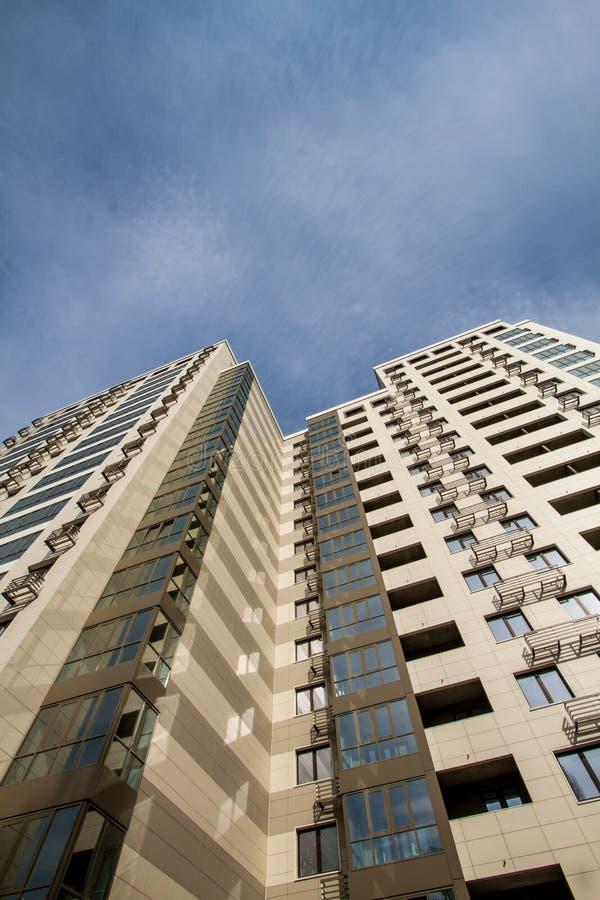 Σύγχρονο κατοικημένο κτήριο στοκ φωτογραφία