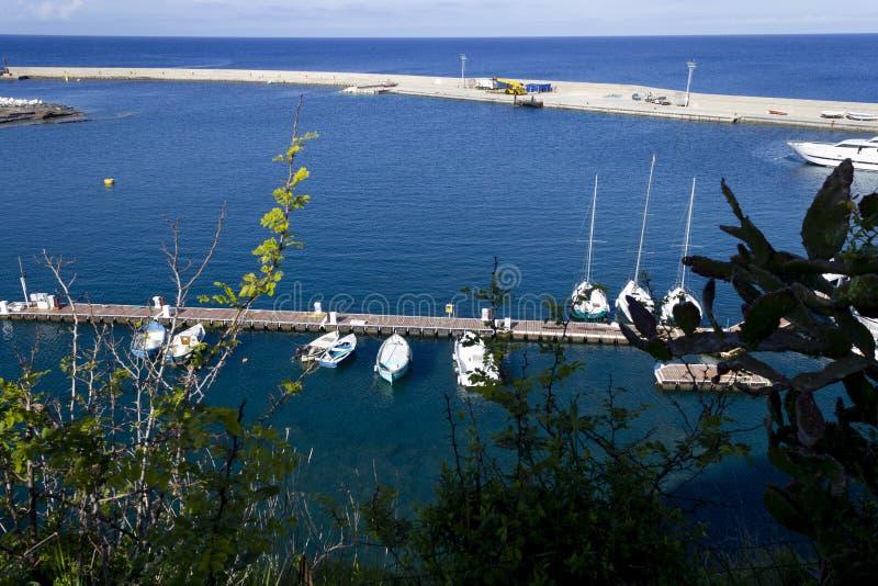 Σύγχρονο λιμάνι του ventotene στοκ φωτογραφία