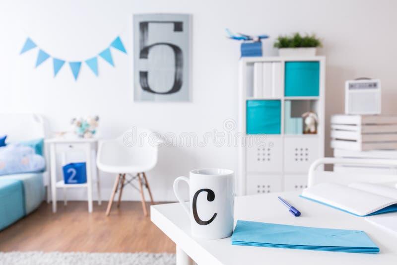 Σύγχρονο μοντέρνο δωμάτιο λίγου σπουδαστή στοκ εικόνες με δικαίωμα ελεύθερης χρήσης