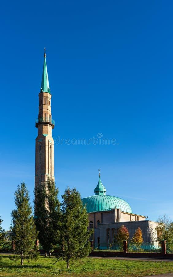 Σύγχρονο μουσουλμανικό τέμενος στοκ φωτογραφία με δικαίωμα ελεύθερης χρήσης