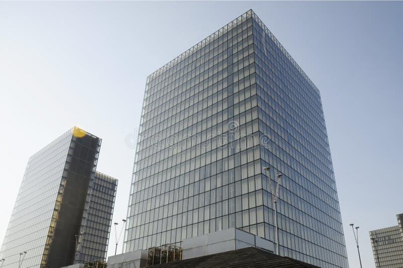 Σύγχρονο πλαίσιο κτιρίου γραφείων στοκ φωτογραφίες