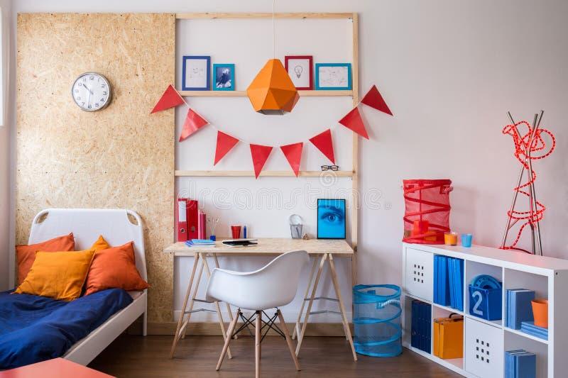 Σύγχρονο δωμάτιο για τον έφηβο στοκ εικόνα με δικαίωμα ελεύθερης χρήσης