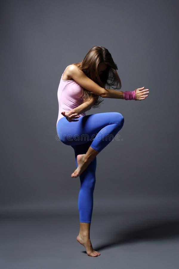 σύγχρονο ύφος χορευτών στοκ εικόνα με δικαίωμα ελεύθερης χρήσης