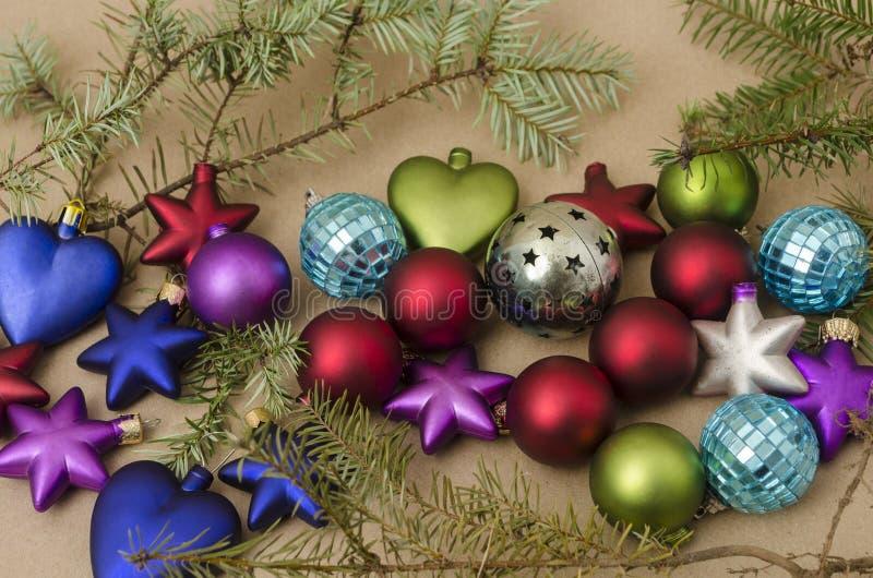 Σύνθεση διακοπών Χριστουγέννων αφηρημένο ανασκόπησης Χριστουγέννων σκοτεινό διακοσμήσεων σχεδίου λευκό αστεριών προτύπων κόκκινο στοκ φωτογραφία με δικαίωμα ελεύθερης χρήσης