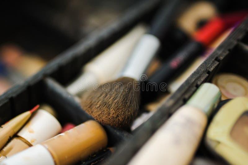 Σύνθεση και προϊόντα καλλυντικών στο σαλόνι ομορφιάς στοκ εικόνες