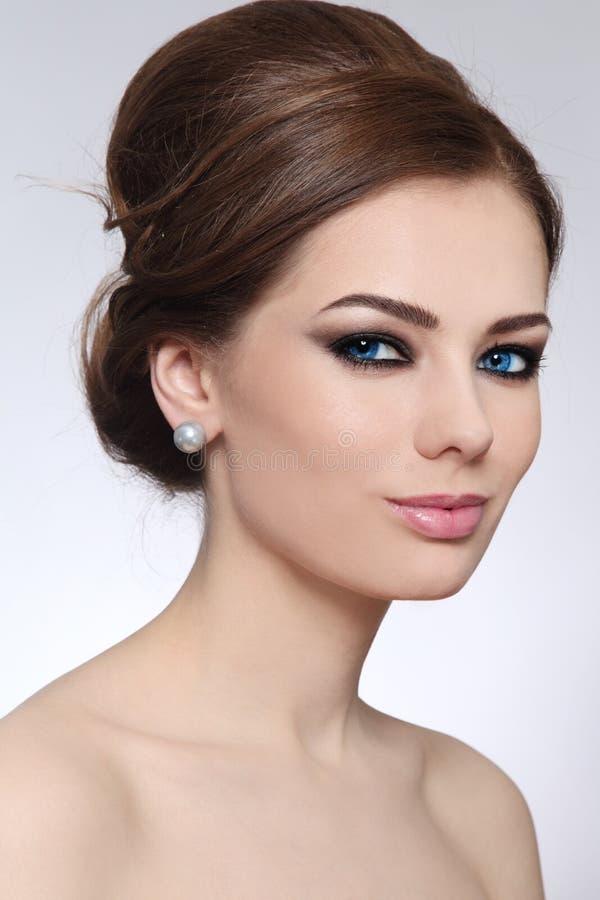Σύνθεση και hairstyle στοκ φωτογραφία με δικαίωμα ελεύθερης χρήσης