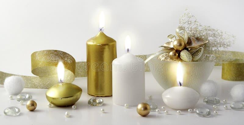 σύνθεση Χριστουγέννων κεριών στοκ φωτογραφία με δικαίωμα ελεύθερης χρήσης