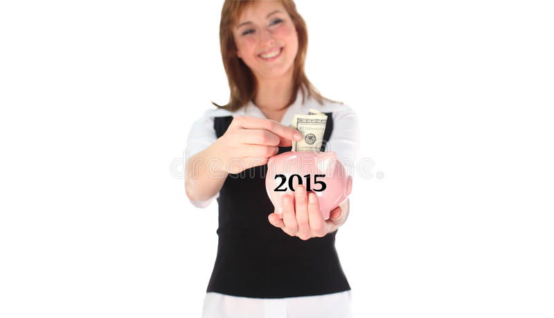Σύνθετη εικόνα της γυναίκας που βάζει τα χρήματα σε μια piggy τράπεζα διανυσματική απεικόνιση