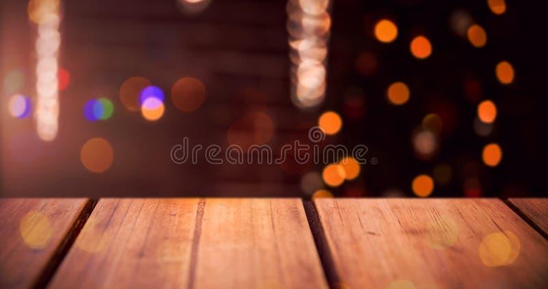 Σύνθετη εικόνα της εστίασης του ξύλινου ραφιού στοκ εικόνα με δικαίωμα ελεύθερης χρήσης