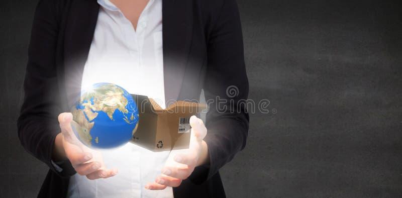 Σύνθετη εικόνα της παρουσίασης χεριών businesswomans στοκ φωτογραφία με δικαίωμα ελεύθερης χρήσης